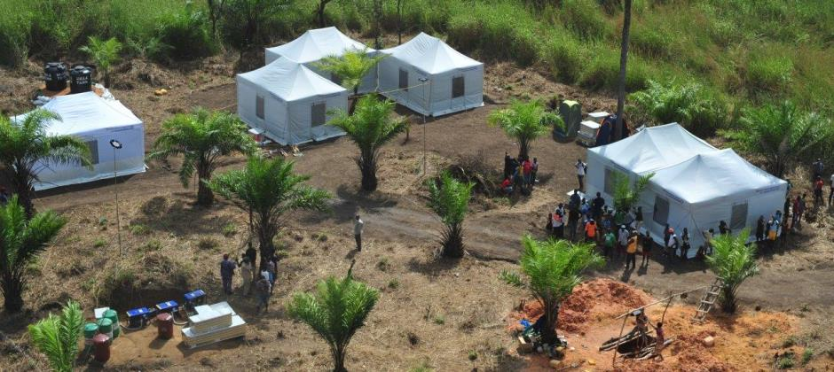 In several West African countries THW contributed to the fight against Ebola: In Benin the volunteers of THW supported the construction of a base camp.