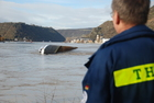 On Thursday, a vessel with 2,400 tons of sulphuric acid capsized in front of the Loreley.