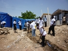 Together with local volunteers, THW works on the rehabilitation of the infrastructure in Haiti.