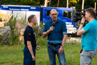 In front of the camera: On the press day in the second week of the workshop, the TV channel WDR reported on the THW activities live from the training site in Wesel. (show image)